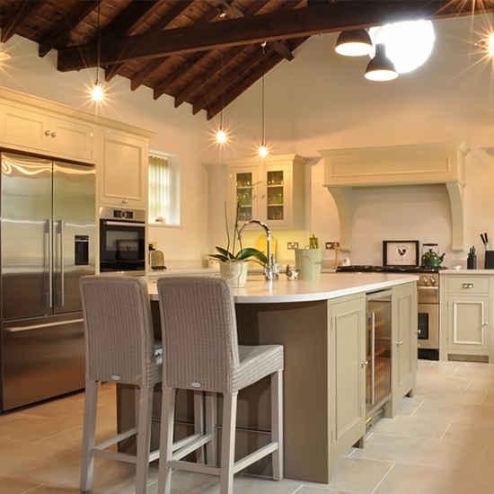 barn-conversion-country-kitchen-fi