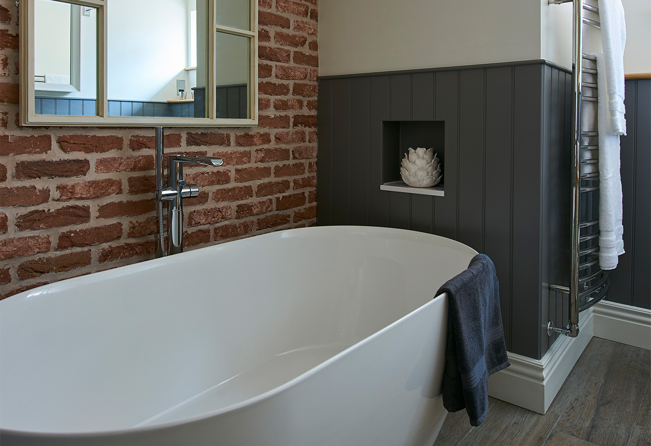 Classic-Contemporary-Bathroom-panelling-exposed-brick