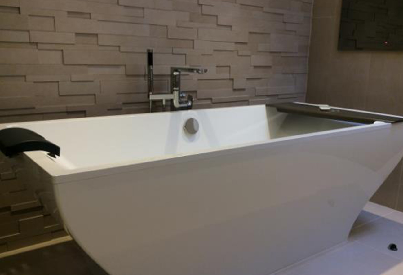 Creating a spa like sanctuary in your bathroom hawk k b for Creating a spa bathroom