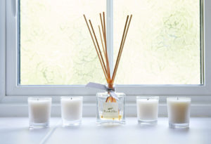 guest-bathroom-scented-candle-diffuser