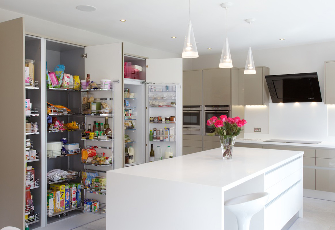 luxury-contemporary-kitchen-larder
