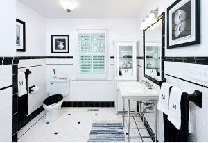 traditional-black-and-white-bathroom