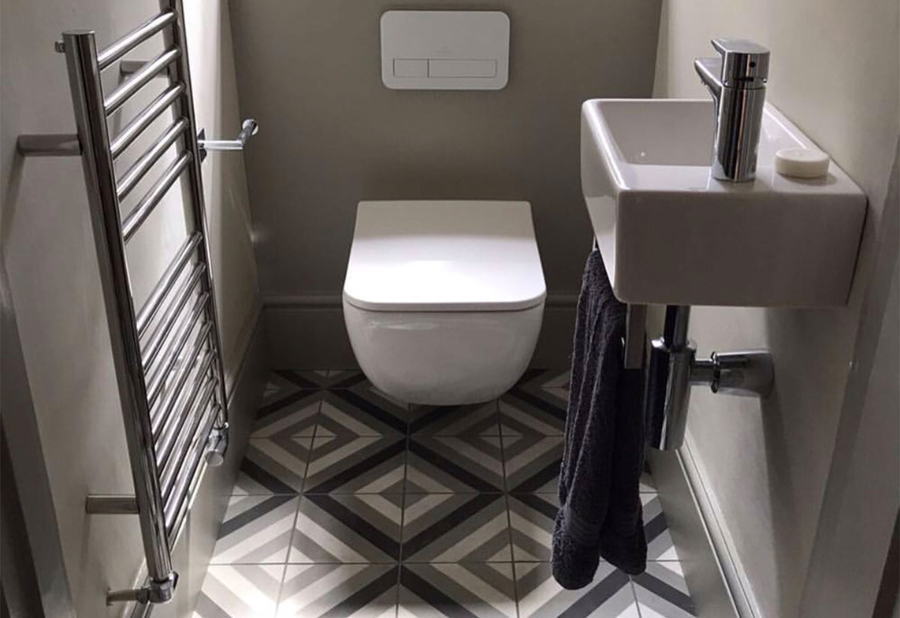 classy-cloakroom-patterned-tiles