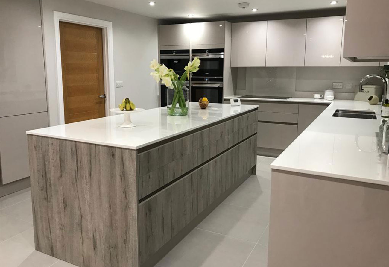2019-kitchen-trends-two-tone